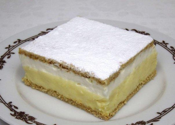 """Prajitura """"Vis de decembrie"""" – Crema fina de vanilie – De la prima inghititura nu te vei mai opri pana nu o vei termina de mancat"""